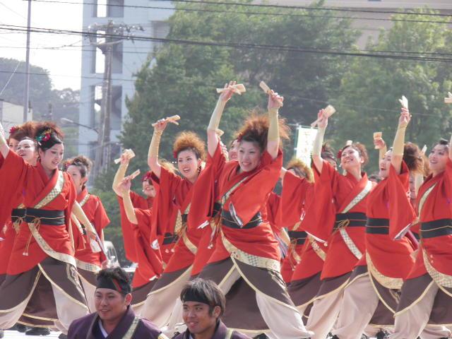 GOGO'S&クワザワグループ(札幌市)トーナメントでは白熱した演舞が1対1で披露されます